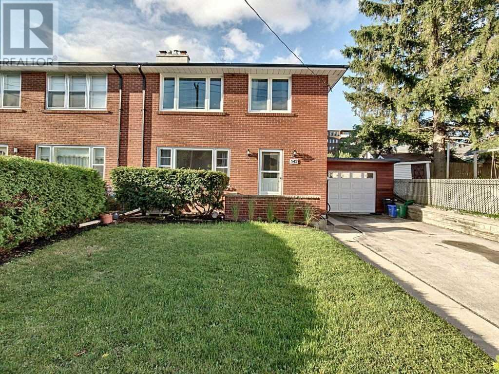 342 Bartos Dr, Oakville, Ontario  L6K 3E6 - Photo 3 - W4604568