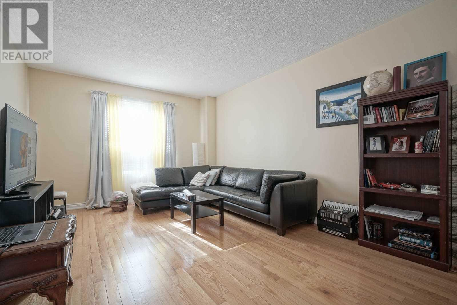 4029 Garnetwood Chse, Mississauga, Ontario  L4W 2H3 - Photo 10 - W4617963