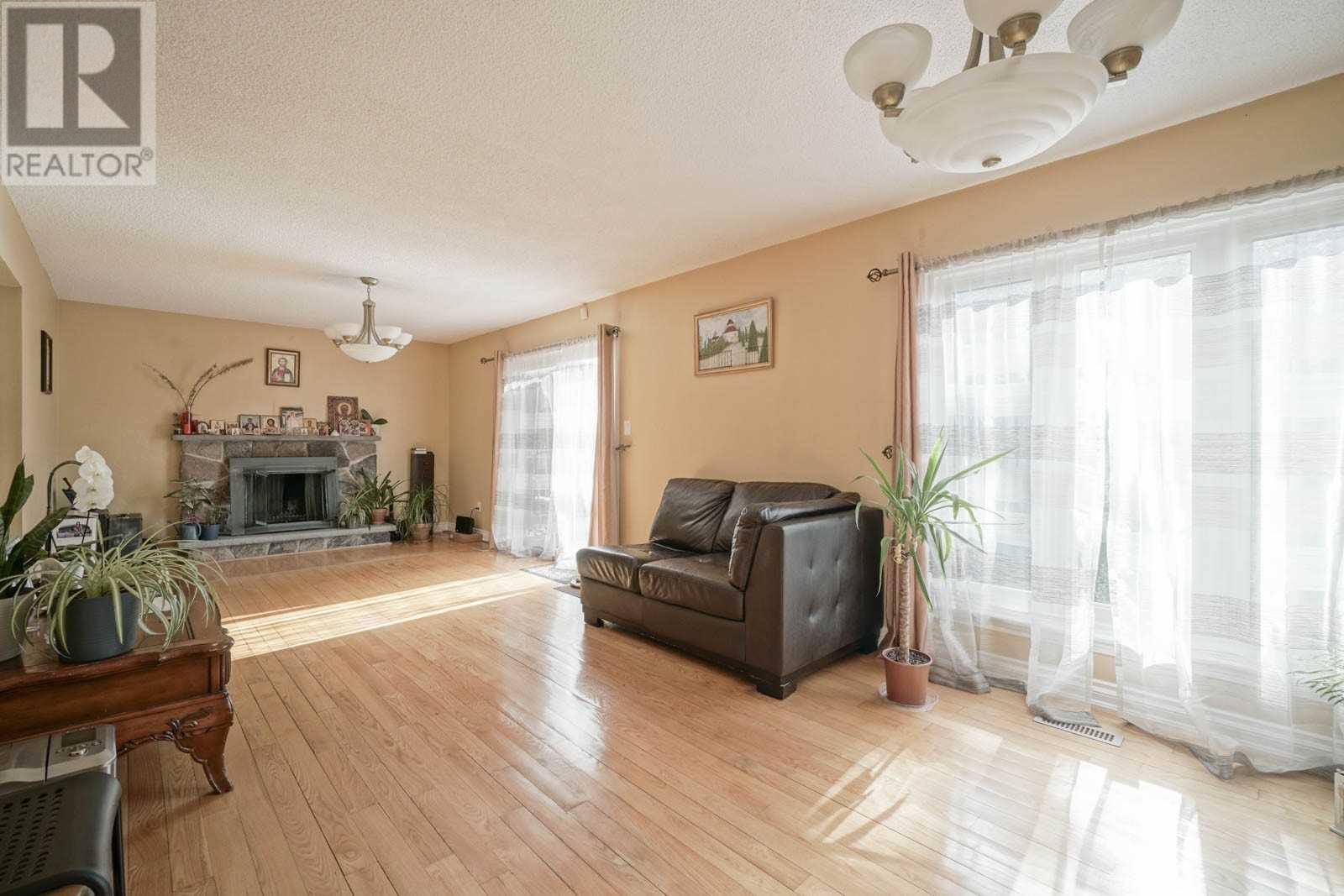 4029 Garnetwood Chse, Mississauga, Ontario  L4W 2H3 - Photo 12 - W4617963