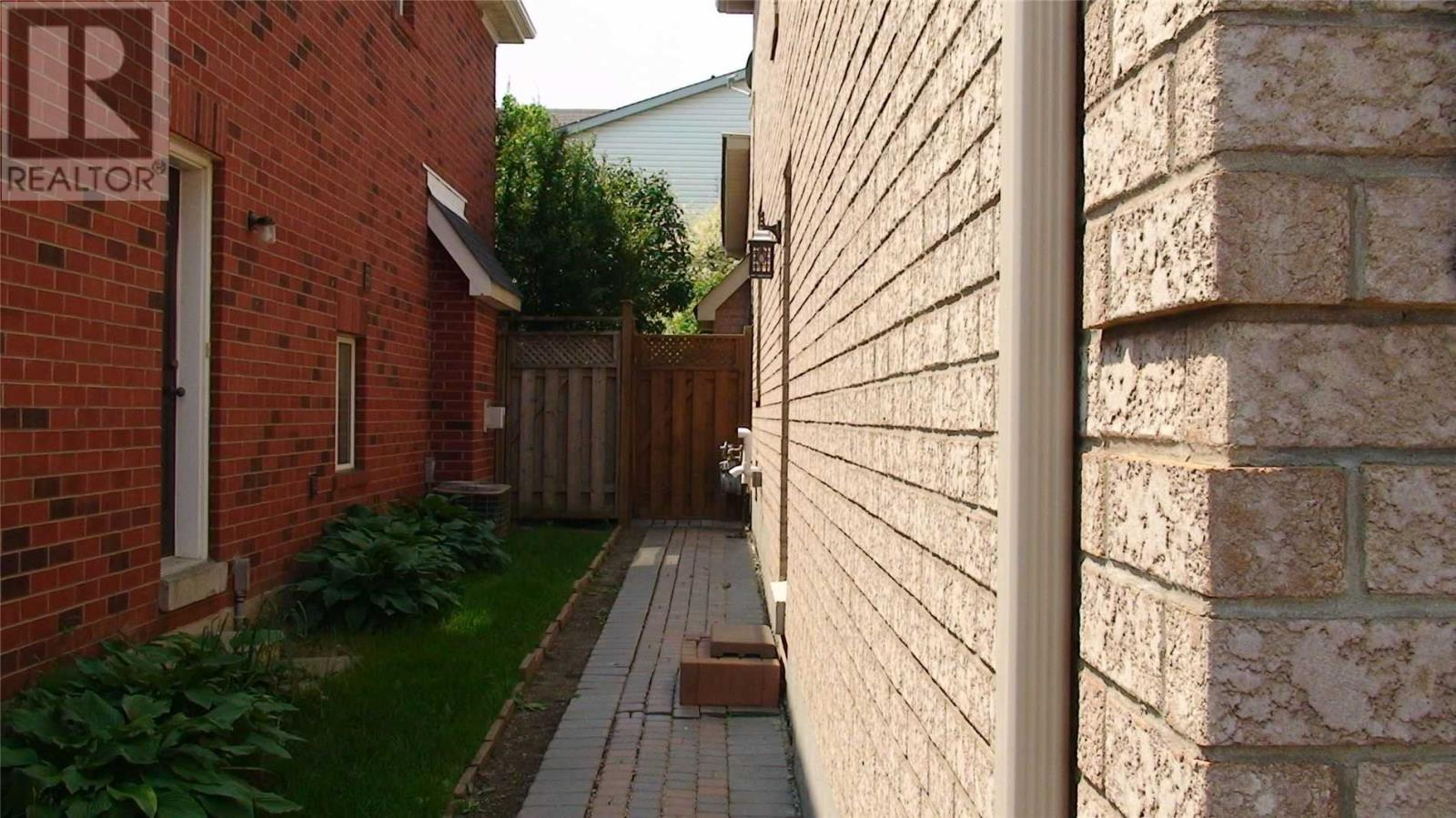 5316 Russell View Rd, Mississauga, Ontario  L5M 5V8 - Photo 7 - W4628616