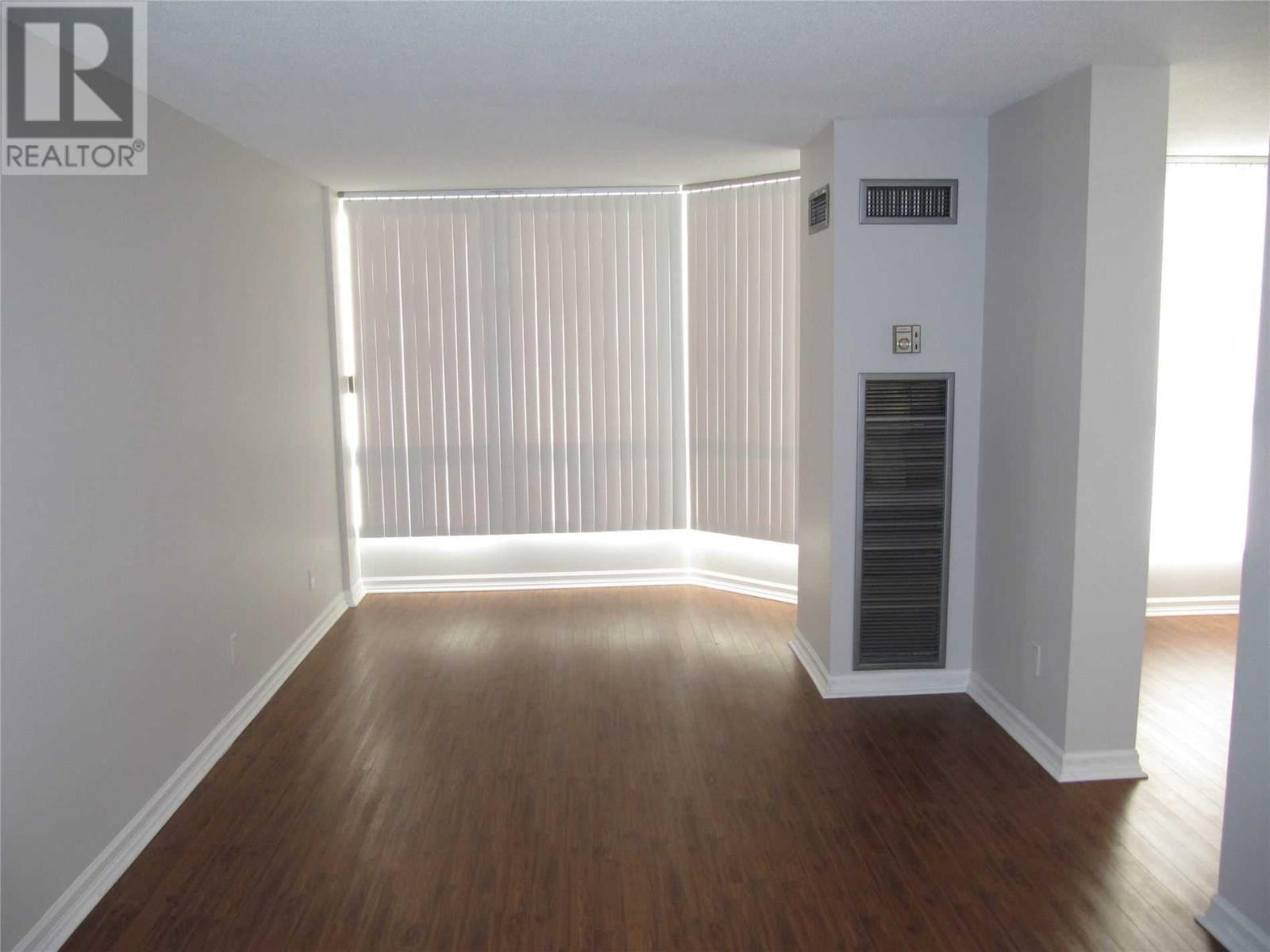 #1712 -155 Hillcrest Ave, Mississauga, Ontario  L5B 3Z2 - Photo 4 - W4629089