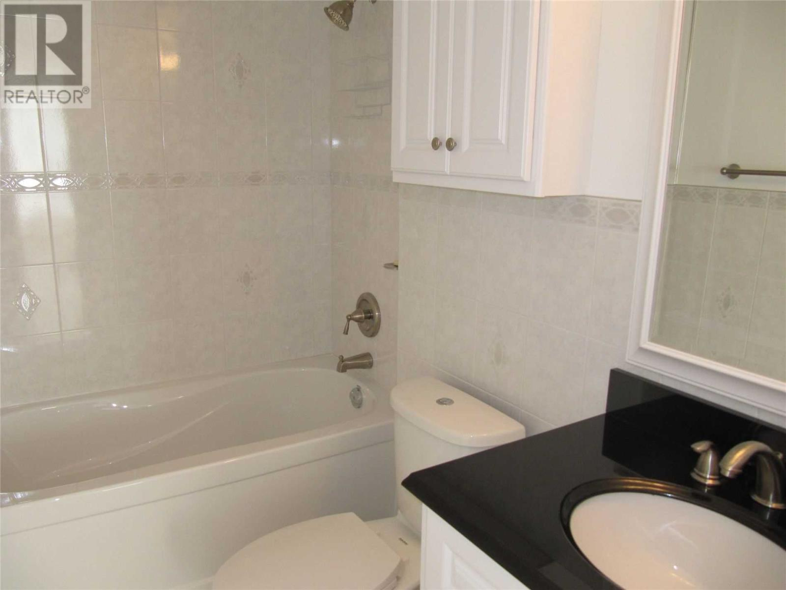 #1712 -155 Hillcrest Ave, Mississauga, Ontario  L5B 3Z2 - Photo 6 - W4629089