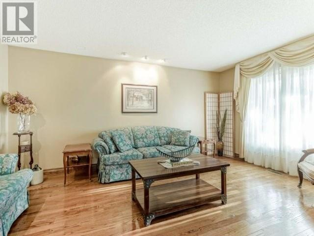 4021 Colonial Dr, Mississauga, Ontario  L5L 4K3 - Photo 4 - W4630273