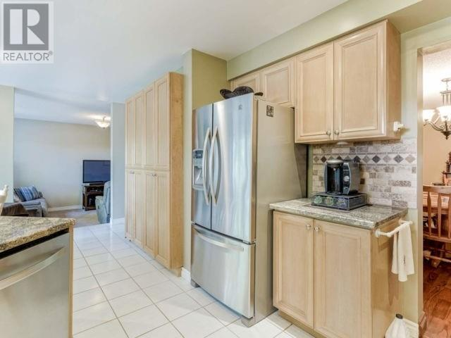 4021 Colonial Dr, Mississauga, Ontario  L5L 4K3 - Photo 9 - W4630273