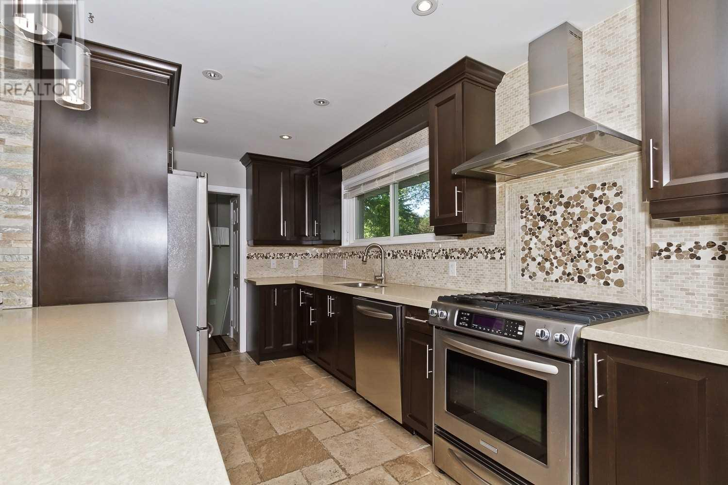 1359 Willowdown Rd, Oakville, Ontario  L6L 1X2 - Photo 4 - W4630574