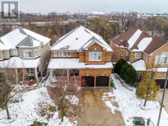 832 Craig Carrier Crt, Mississauga, Ontario  L5W 1A6 - Photo 1 - W4636812
