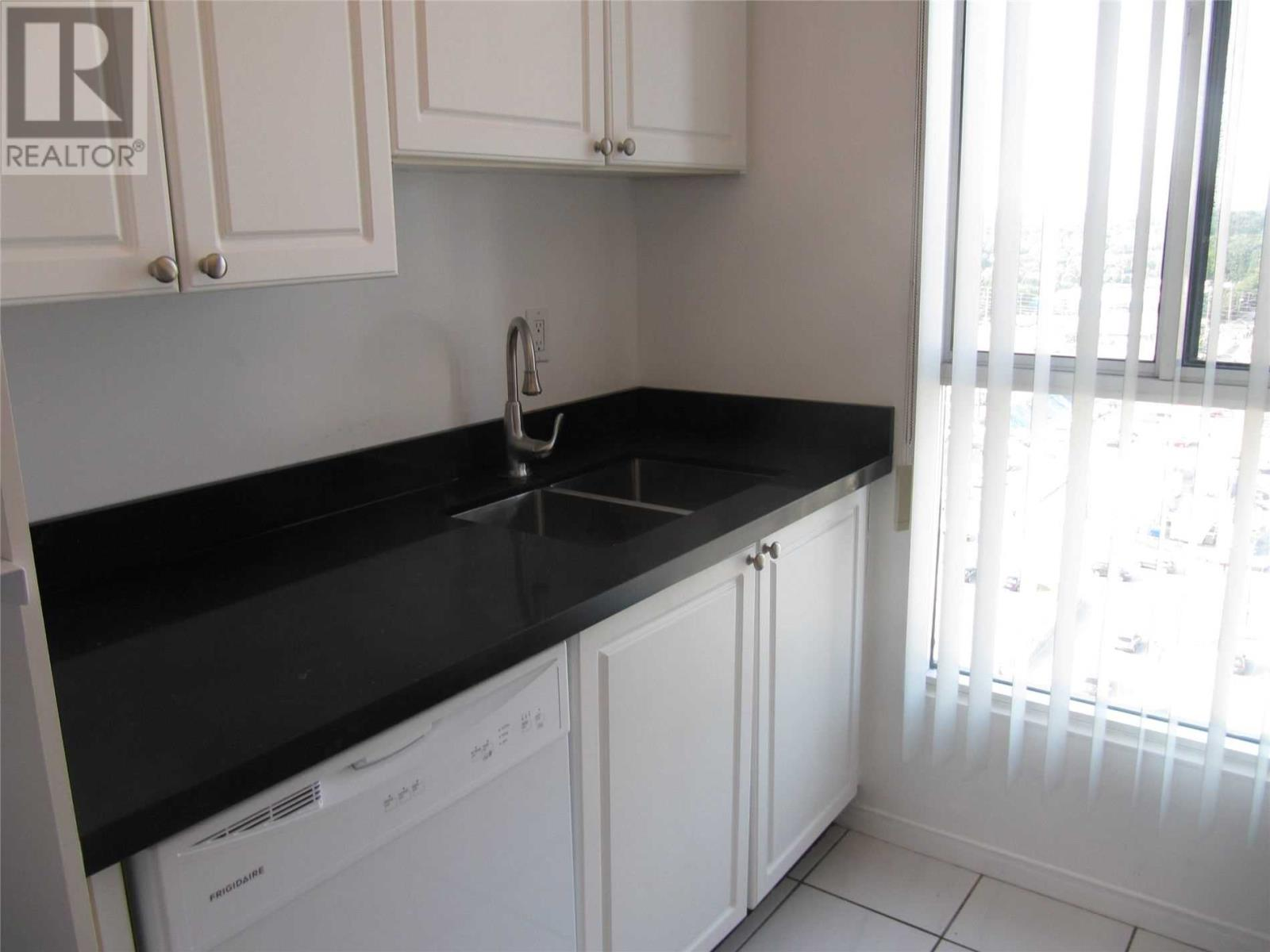 #1616 -115 Hillcrest Ave, Mississauga, Ontario  L5B 3Y9 - Photo 3 - W4638614