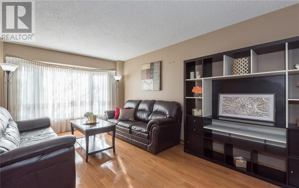 439 Greenpark Crescent, Mississauga, Ontario  L5B 3P4 - Photo 4 - 30777223