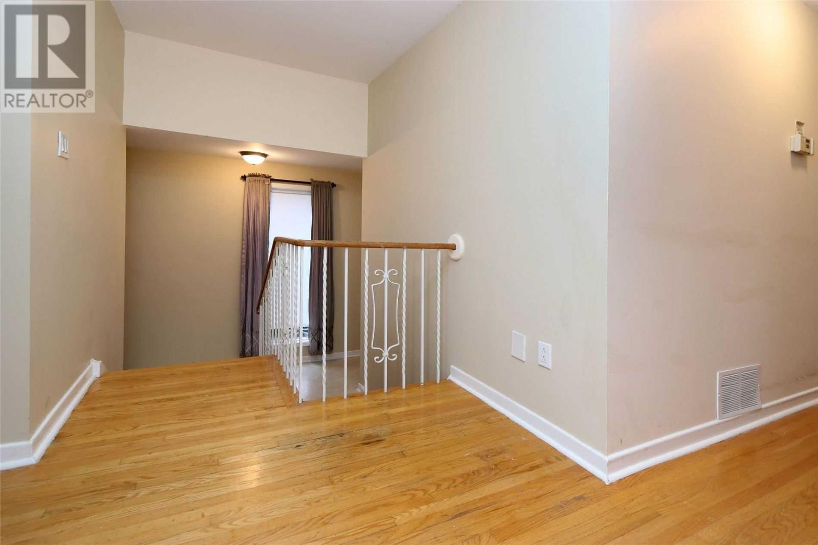 1875 Balsam Ave, Mississauga, Ontario  L5J 1L3 - Photo 14 - W4649007