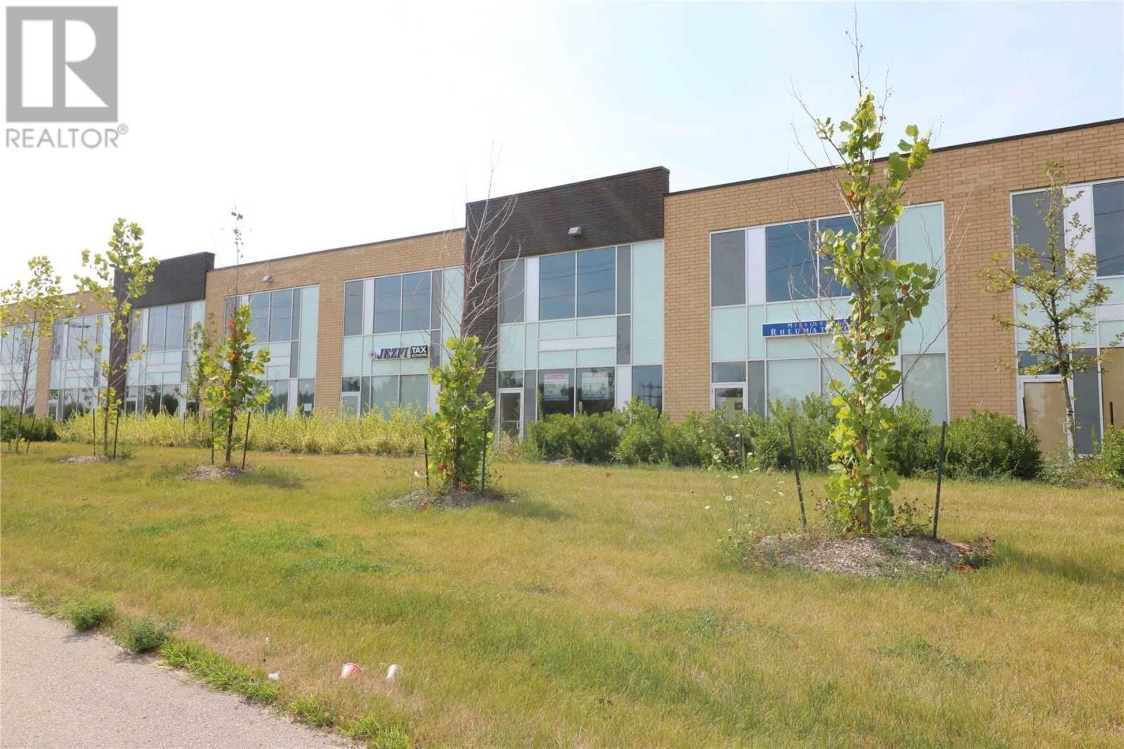 #18 -1235 Queensway Ave E, Mississauga, Ontario  L4Y 0G4 - Photo 2 - W4651399
