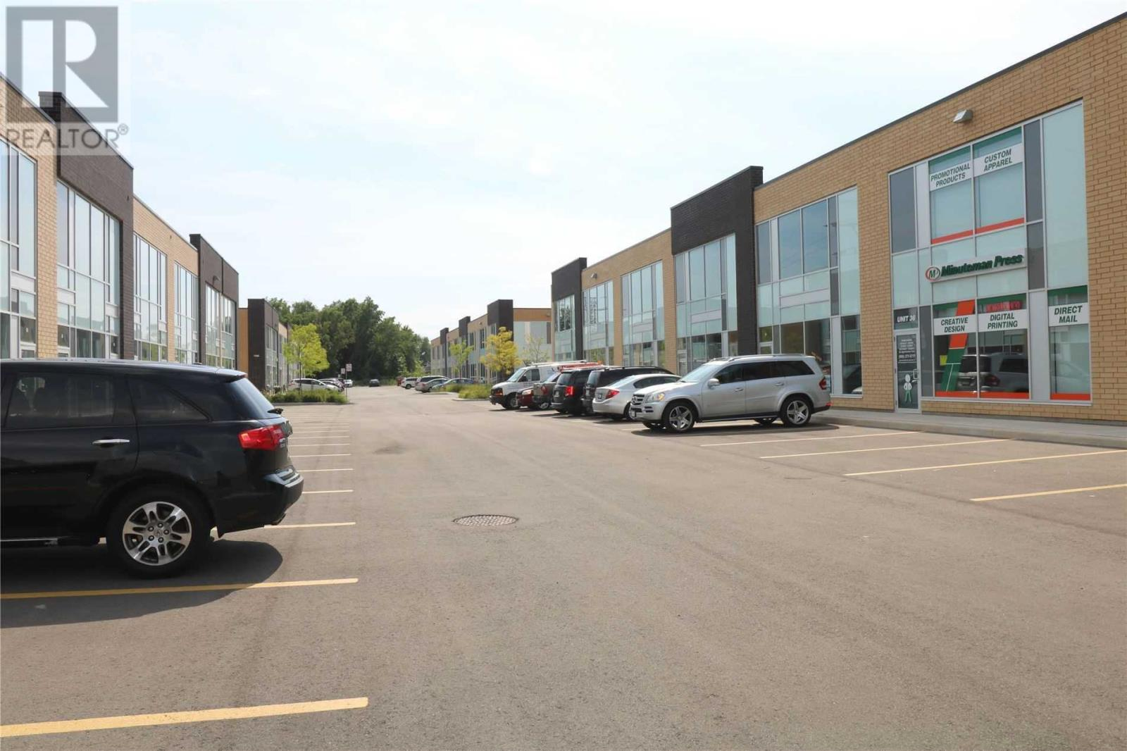 #18 -1235 Queensway Ave E, Mississauga, Ontario  L4Y 0G4 - Photo 3 - W4651399