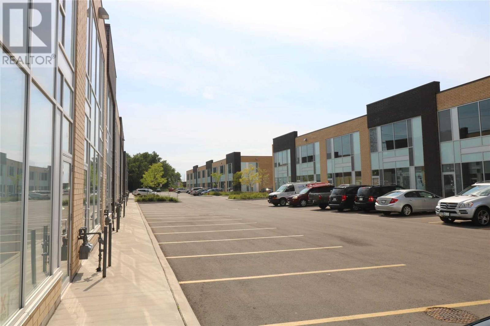 #18 -1235 Queensway Ave E, Mississauga, Ontario  L4Y 0G4 - Photo 4 - W4651399