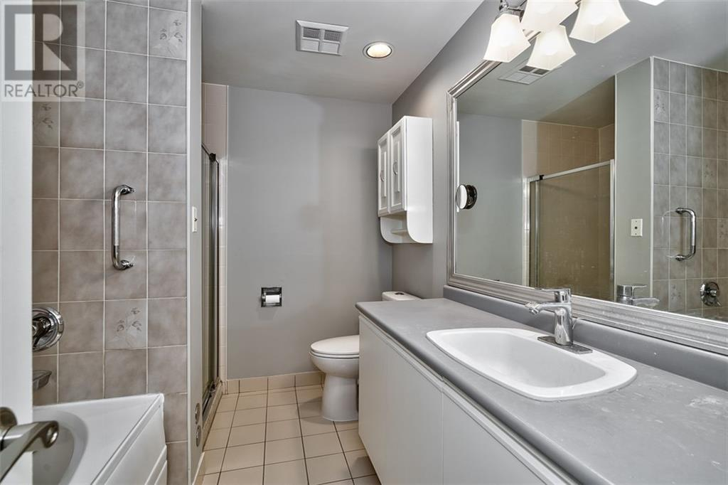 422 -  2511 Lakeshore Road W, Oakville, Ontario  L6L 6L9 - Photo 10 - 30781311