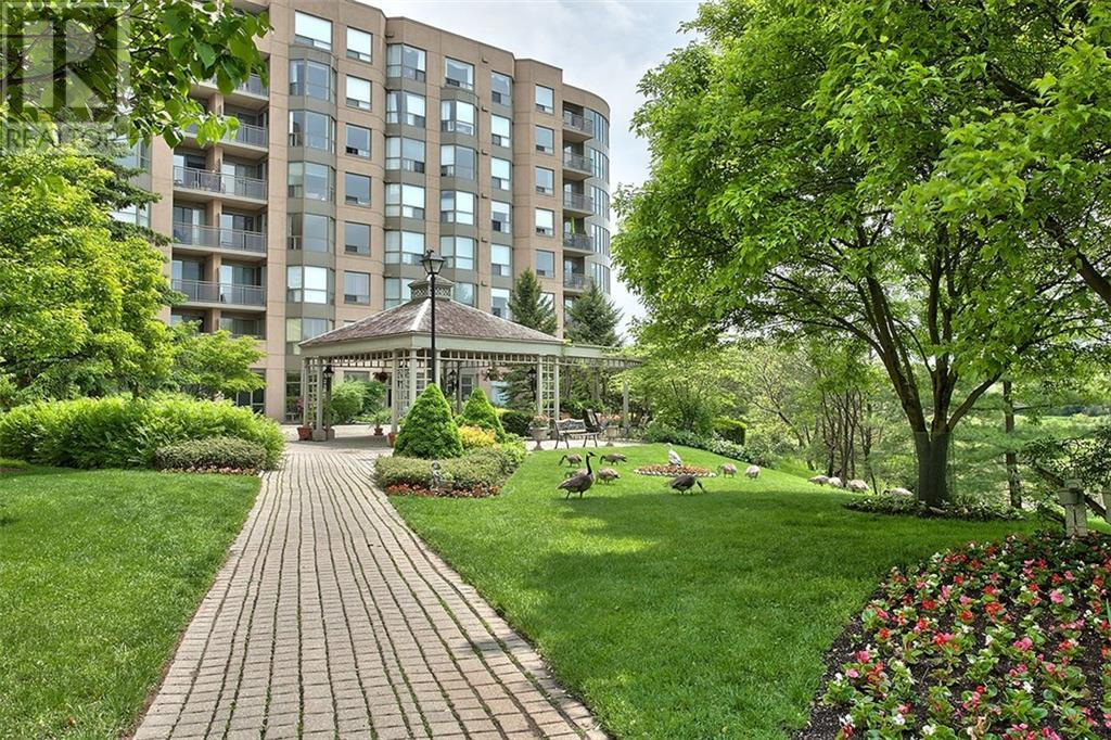 422 -  2511 Lakeshore Road W, Oakville, Ontario  L6L 6L9 - Photo 20 - 30781311