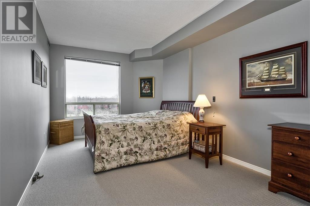 422 -  2511 Lakeshore Road W, Oakville, Ontario  L6L 6L9 - Photo 8 - 30781311