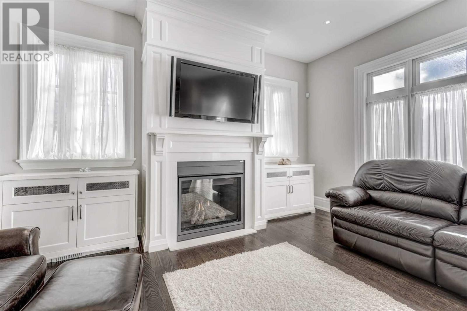 572 Stephens Cres, Oakville, Ontario  L6K 1Y3 - Photo 6 - W4657472
