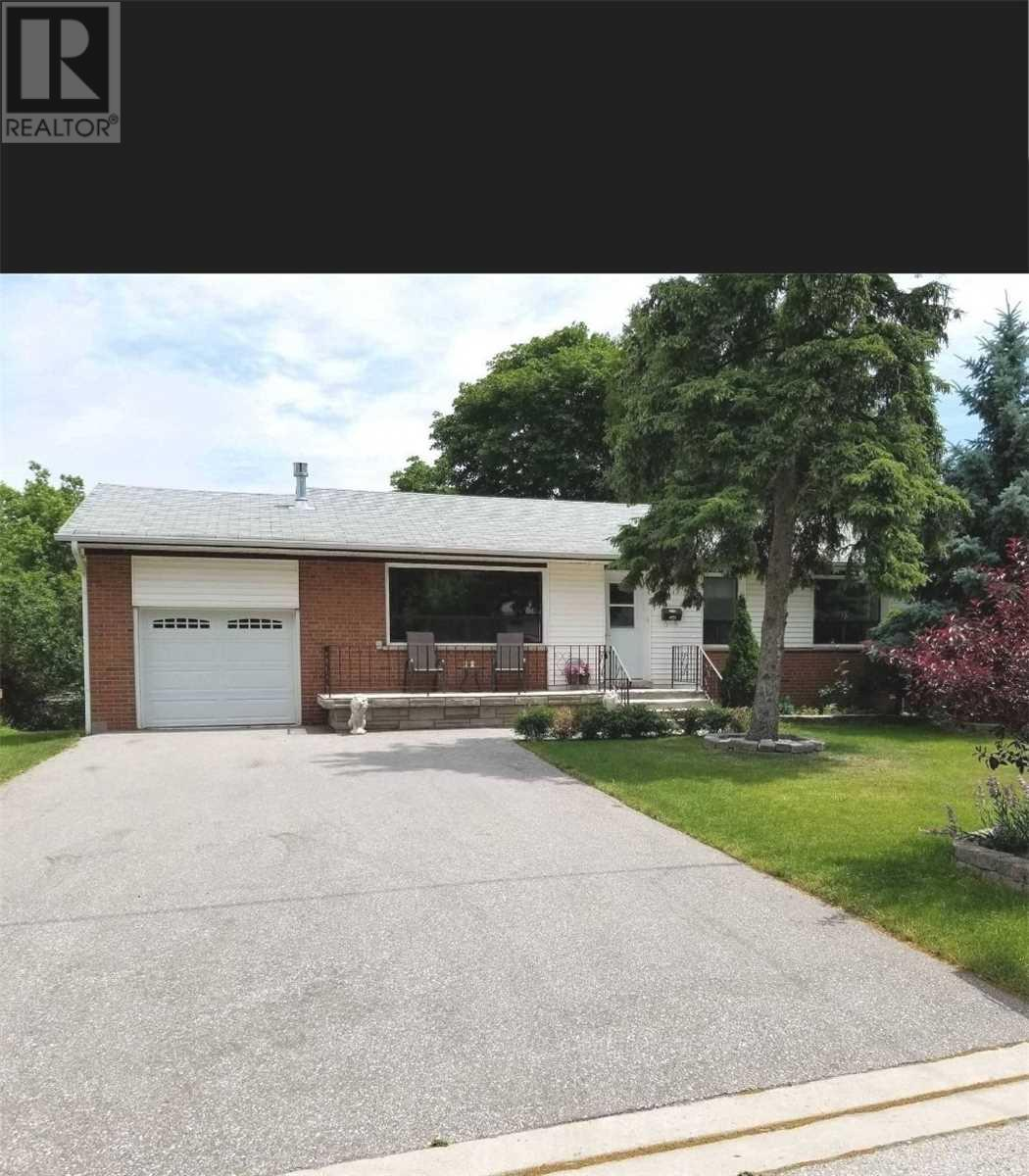 17 Pioneer Dr, Mississauga, Ontario  L5M 1G8 - Photo 1 - W4657888