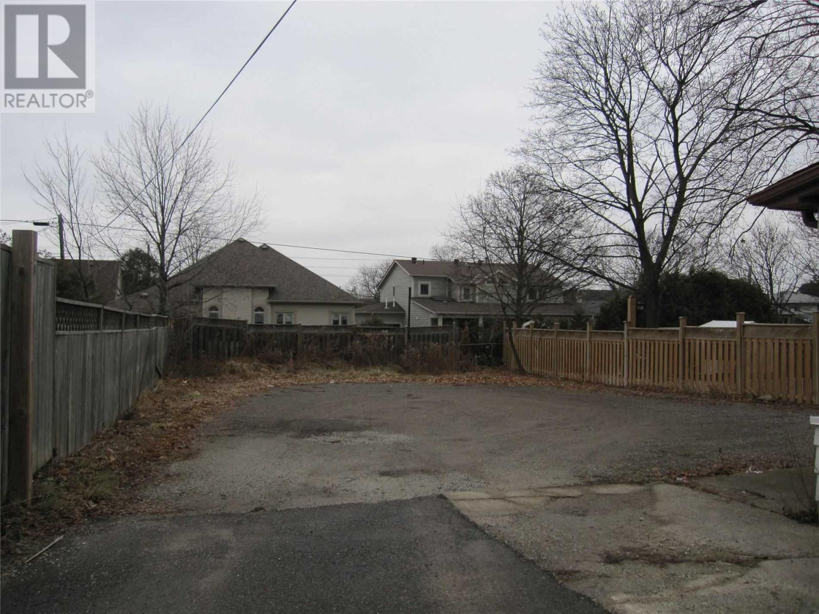 31 Queen St S, Mississauga, Ontario  L5N 1K2 - Photo 5 - W4659346