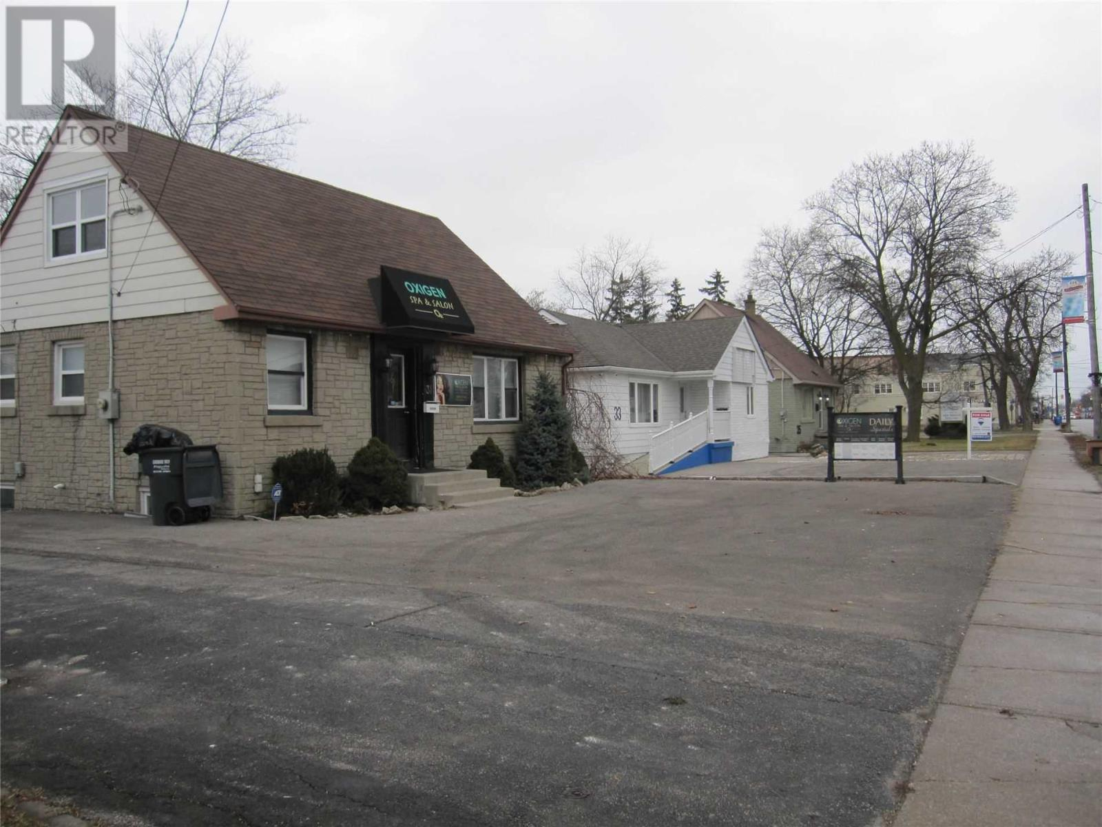 31 Queen St S, Mississauga, Ontario  L5N 1K2 - Photo 3 - W4659348