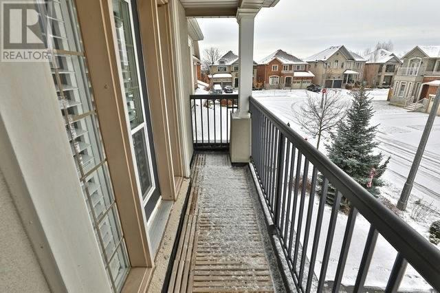 2268 Carm Dr, Oakville, Ontario  L6M 0H8 - Photo 12 - W4659705