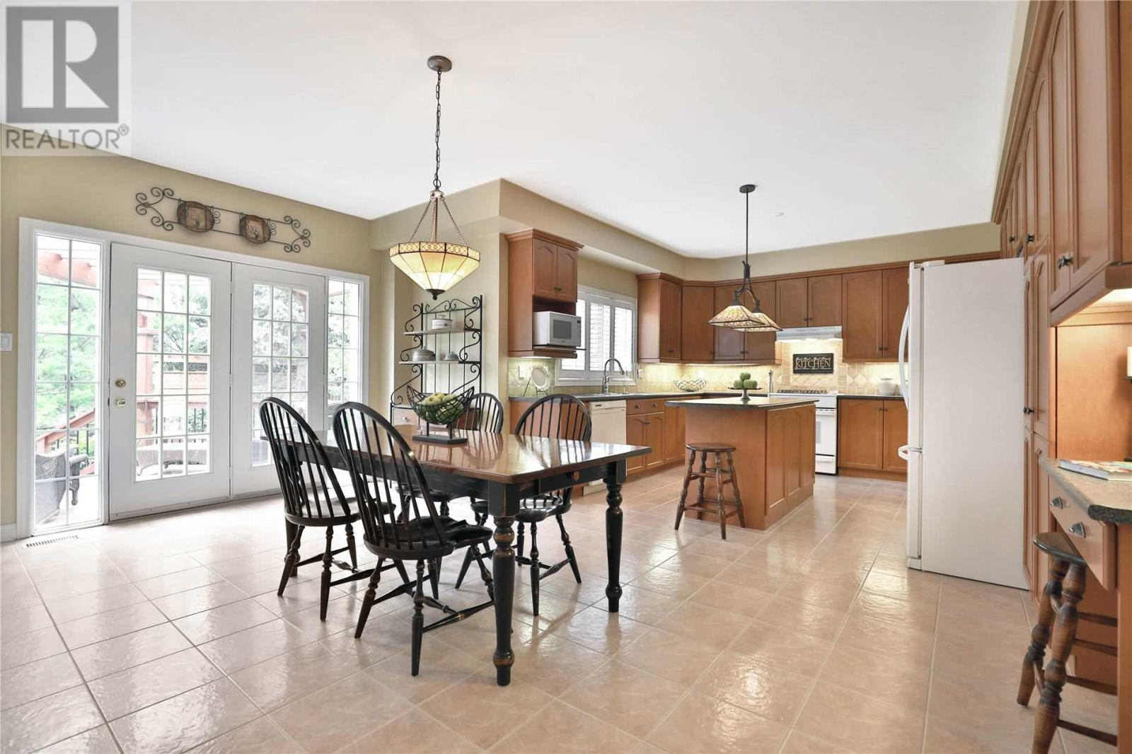 2444 Valley Forest Way, Oakville, Ontario  L6H 6W9 - Photo 4 - W4661371