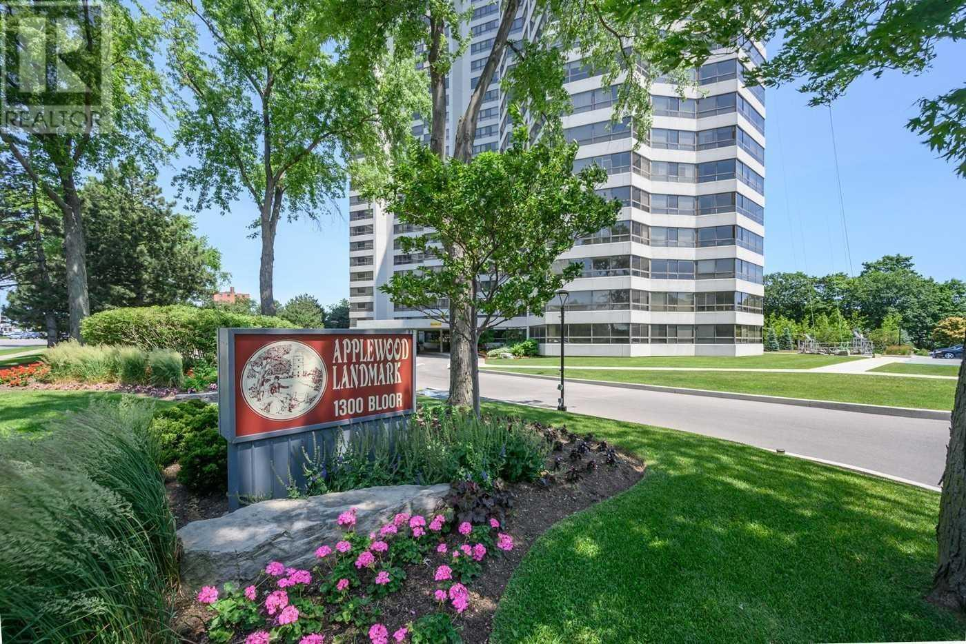 #103 -1300 Bloor St, Mississauga, Ontario  L4Y 3Z2 - Photo 1 - W4661768