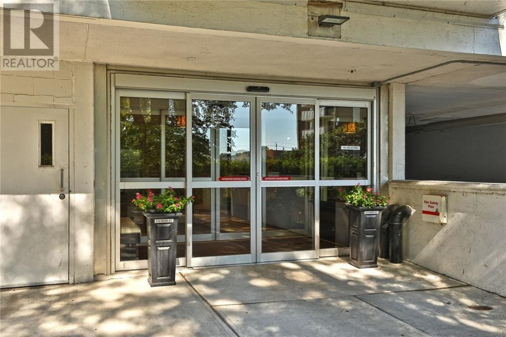 1005 -  212 Kerr Street, Oakville, Ontario  L6K 3B1 - Photo 2 - 30783934