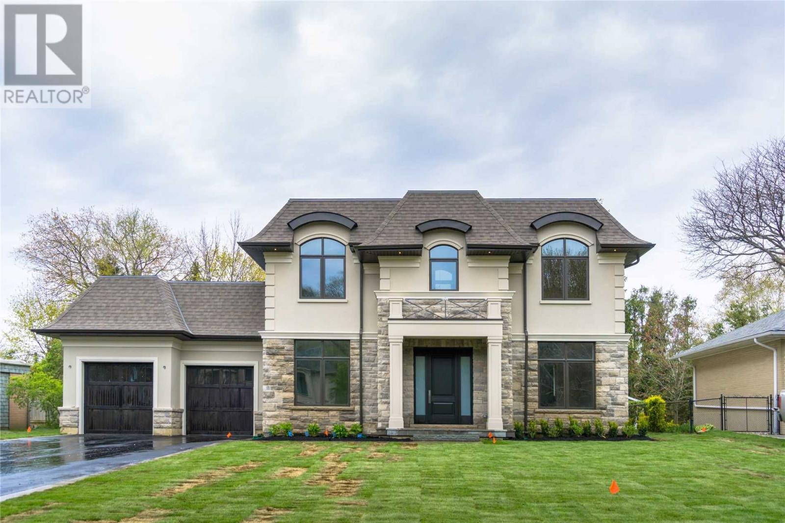 137 Westminister Dr, Oakville, Ontario  L6L 4H3 - Photo 1 - W4663945