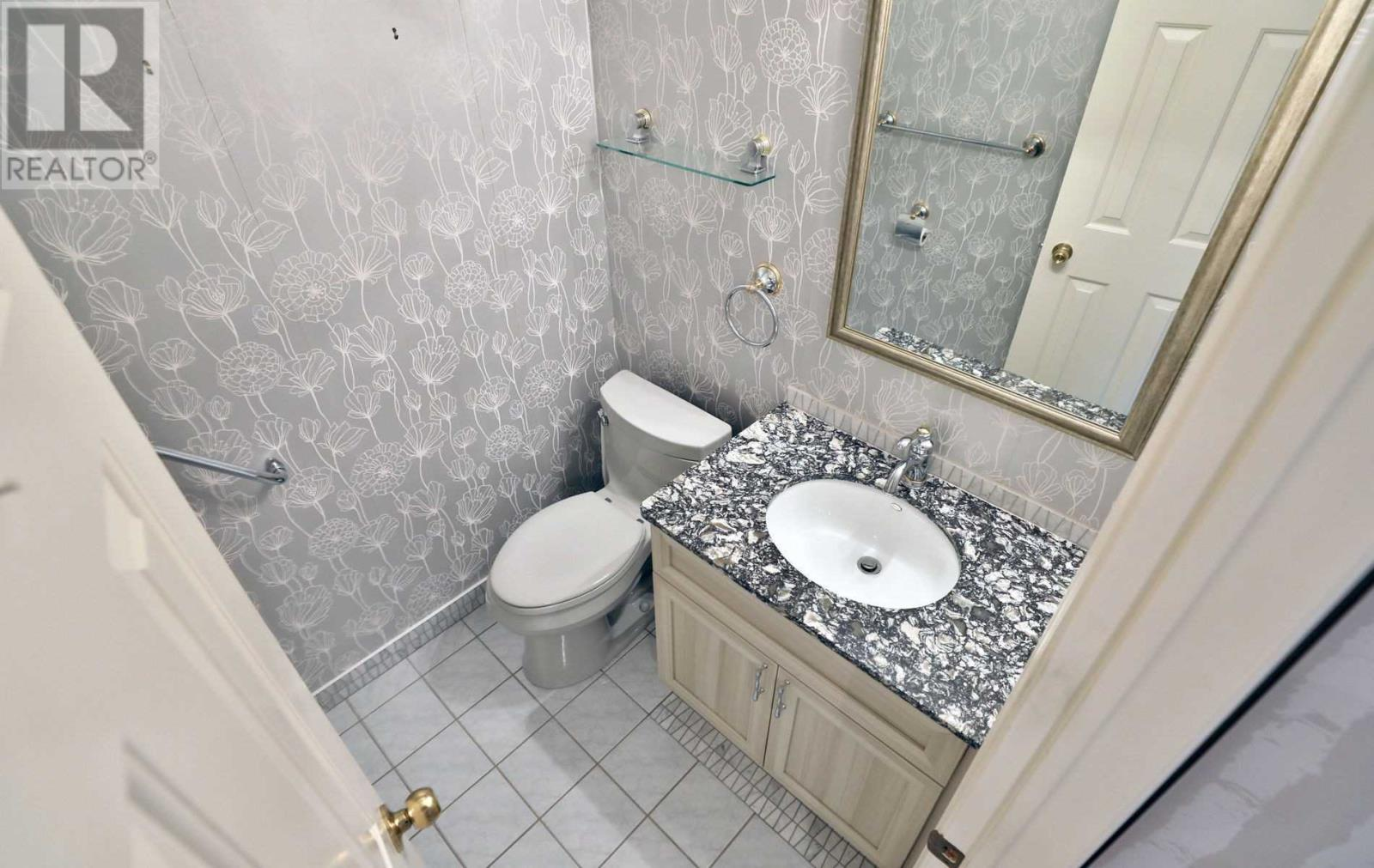 3931 Rushton Cres, Mississauga, Ontario  L5L 4H8 - Photo 9 - W4665068