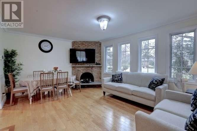 2442 Thorn Lodge Dr, Mississauga, Ontario  L5K 1K5 - Photo 6 - W4665238