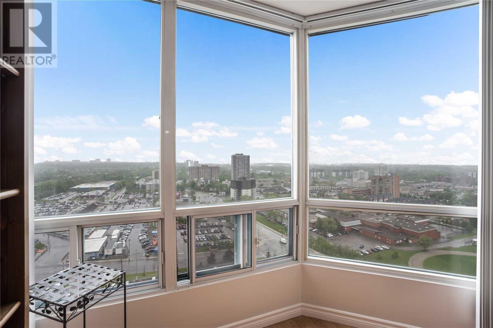 ##2013 -115 Hillcrest Ave, Mississauga, Ontario  L5B 3Y9 - Photo 8 - W4666179