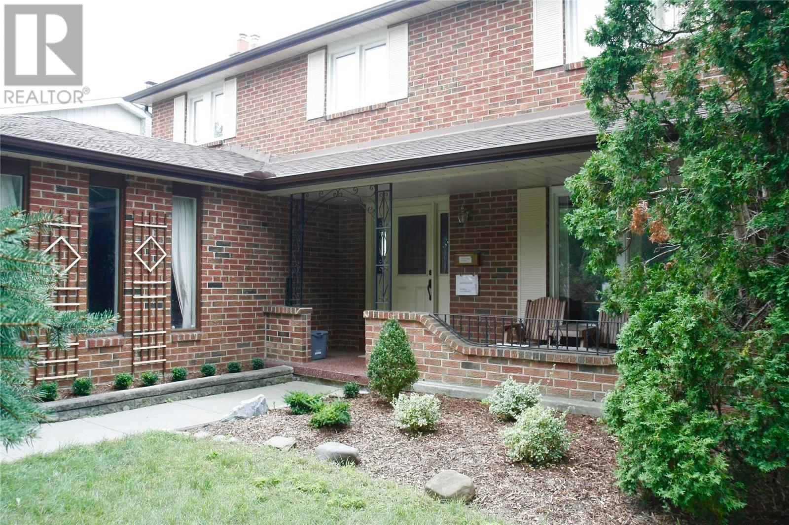 4178 Garnetwood Chse, Mississauga, Ontario  L4W 2G7 - Photo 2 - W4666666