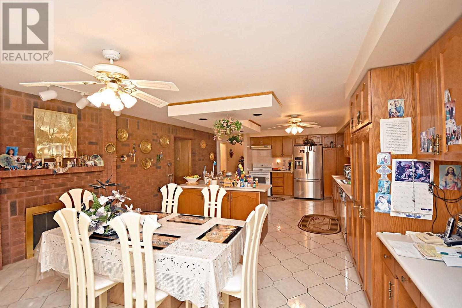 2222 Rosegate Dr, Mississauga, Ontario  L5M 5A6 - Photo 9 - W4666736
