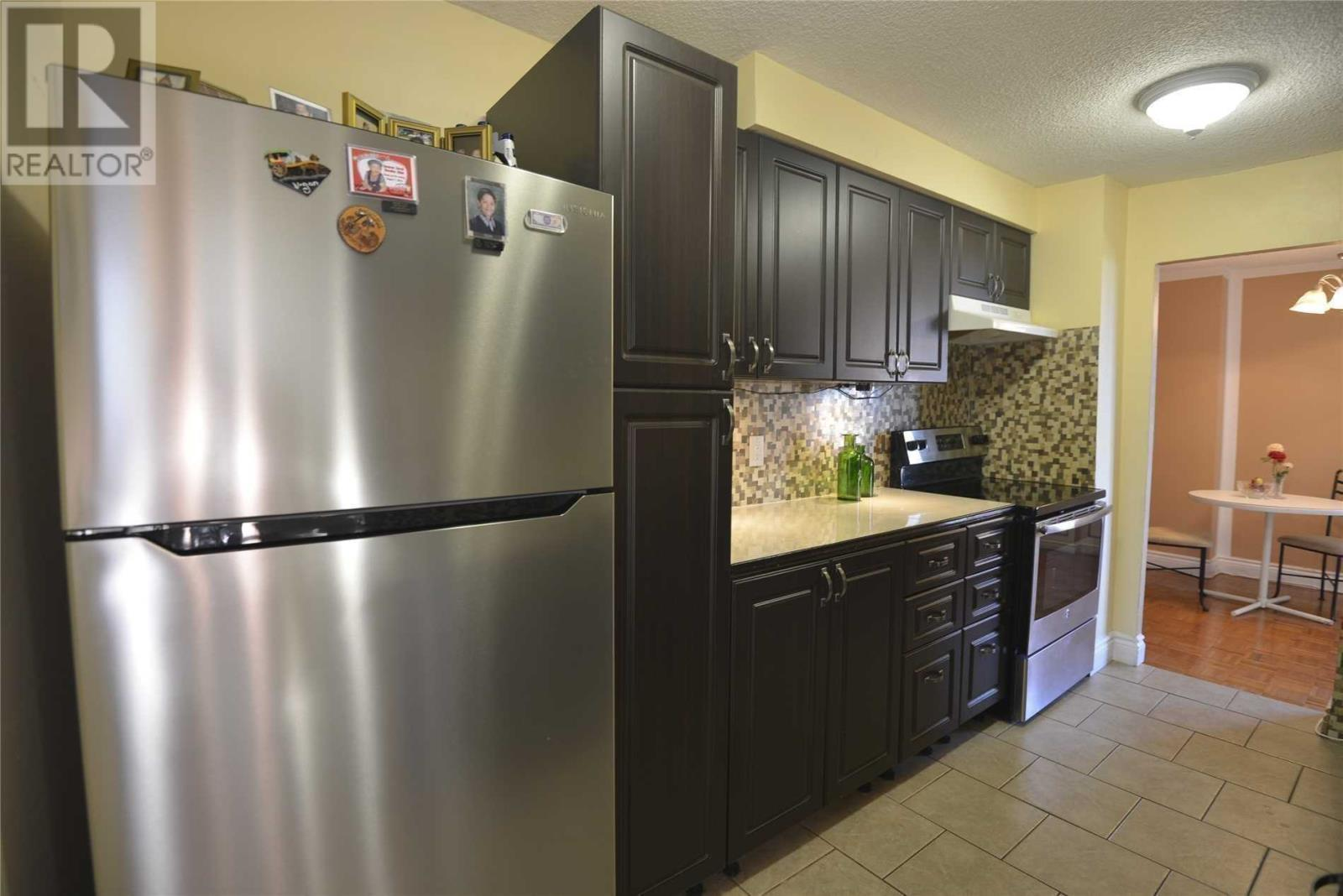 #803 -3170 Kirwin Ave, Mississauga, Ontario  L5A 3R1 - Photo 3 - W4667390