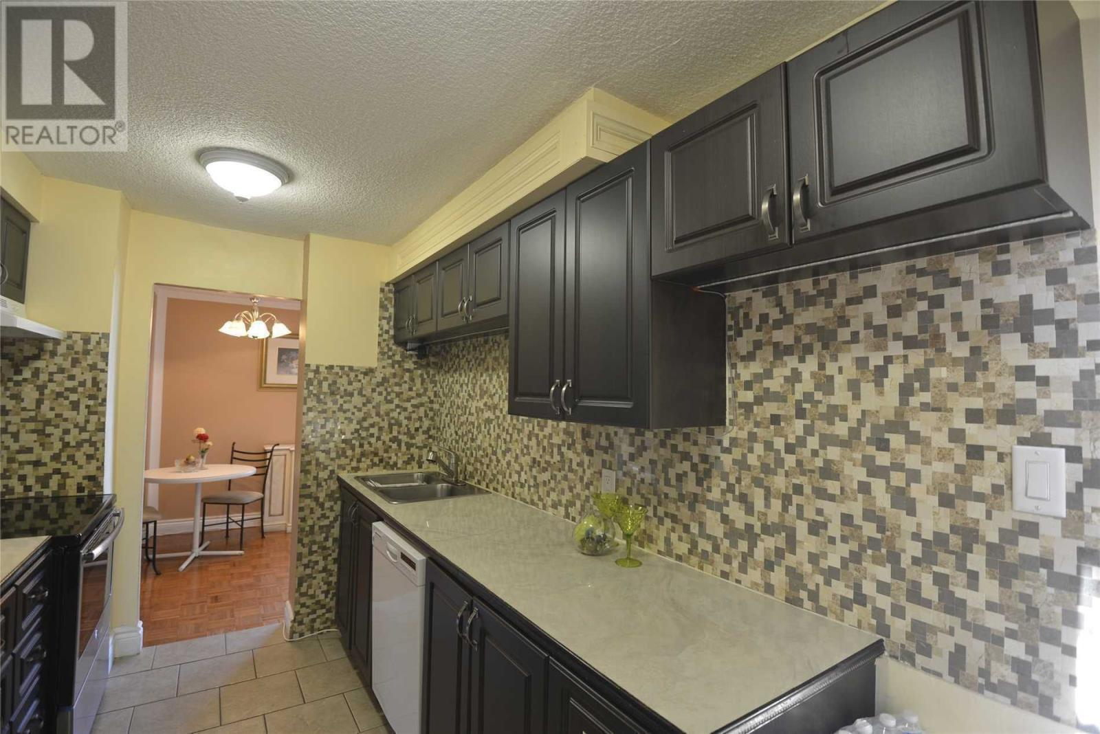 #803 -3170 Kirwin Ave, Mississauga, Ontario  L5A 3R1 - Photo 4 - W4667390