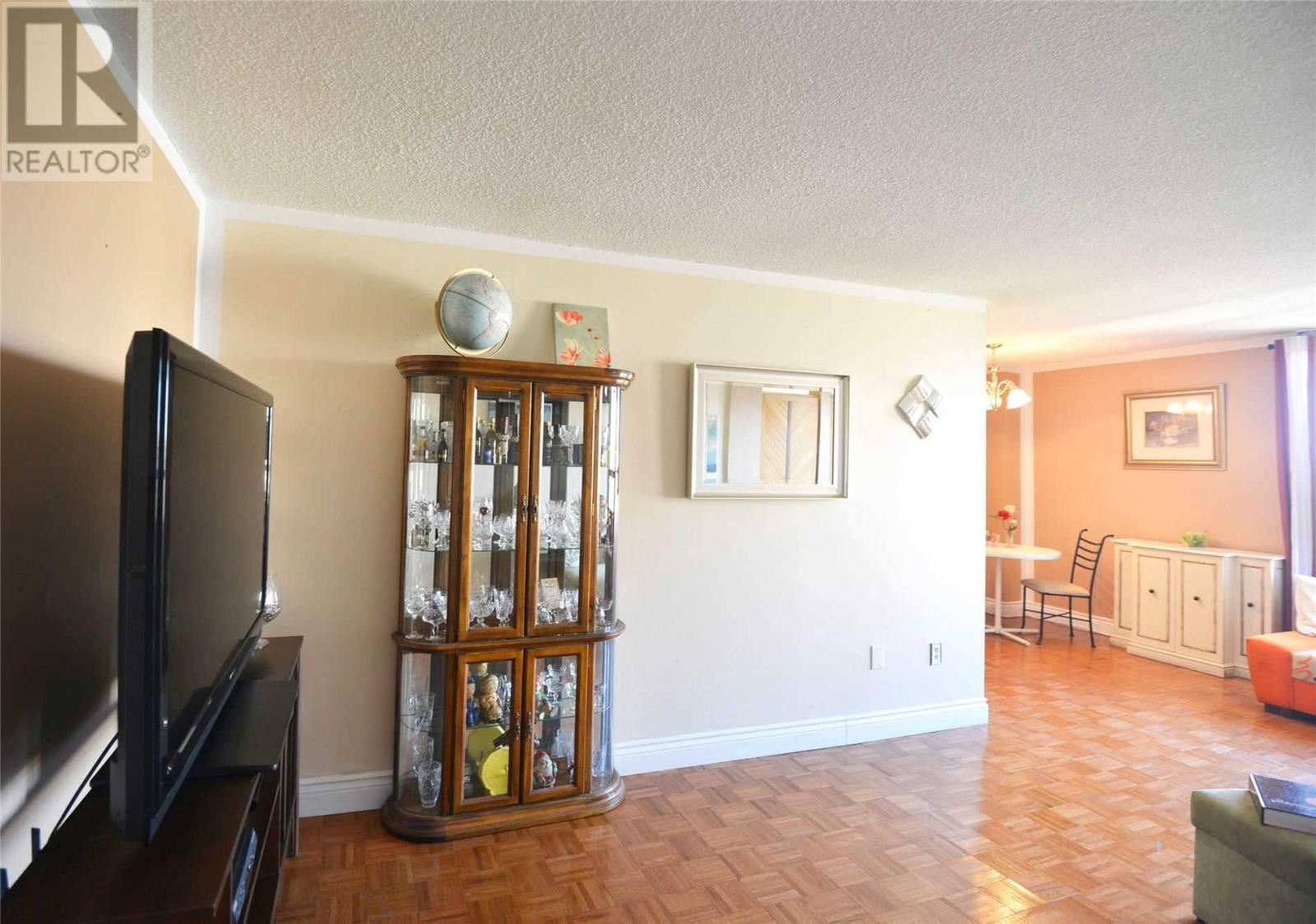 #803 -3170 Kirwin Ave, Mississauga, Ontario  L5A 3R1 - Photo 6 - W4667390