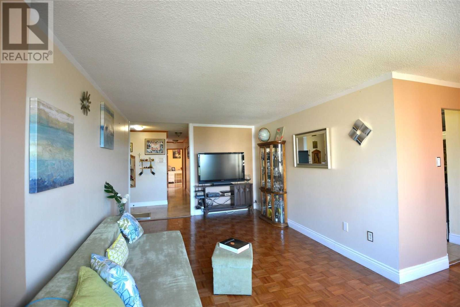 #803 -3170 Kirwin Ave, Mississauga, Ontario  L5A 3R1 - Photo 8 - W4667390