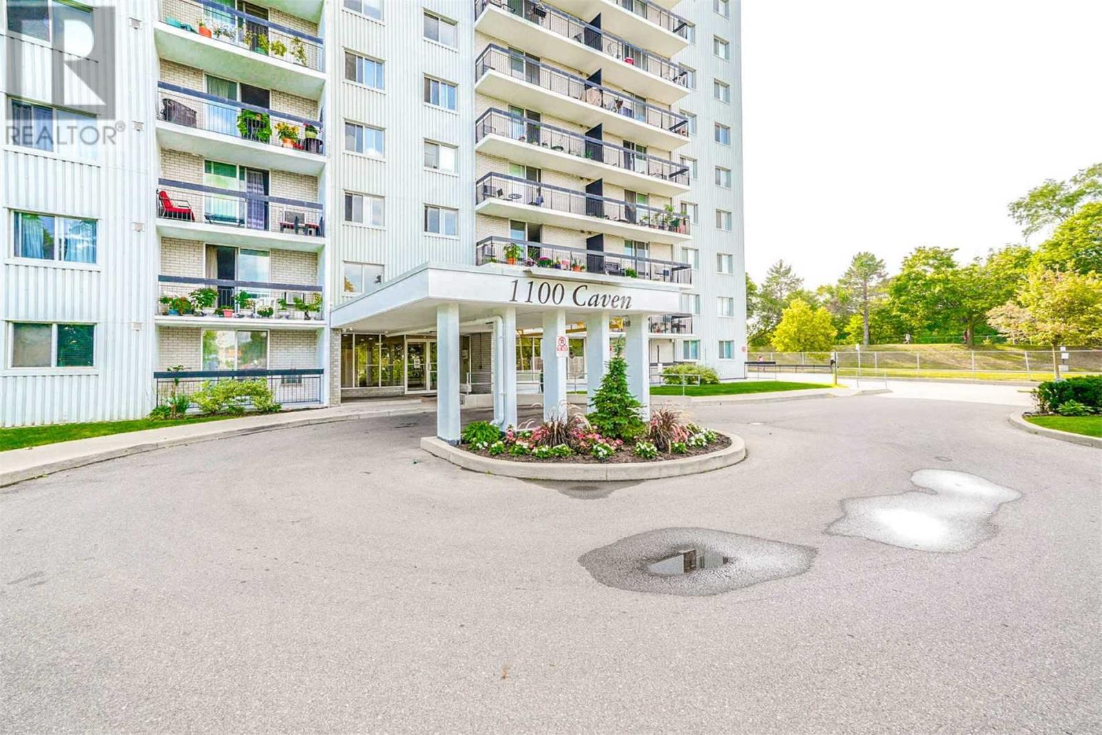 #810 -1100 Caven St, Mississauga, Ontario  L5G 4N3 - Photo 1 - W4667458