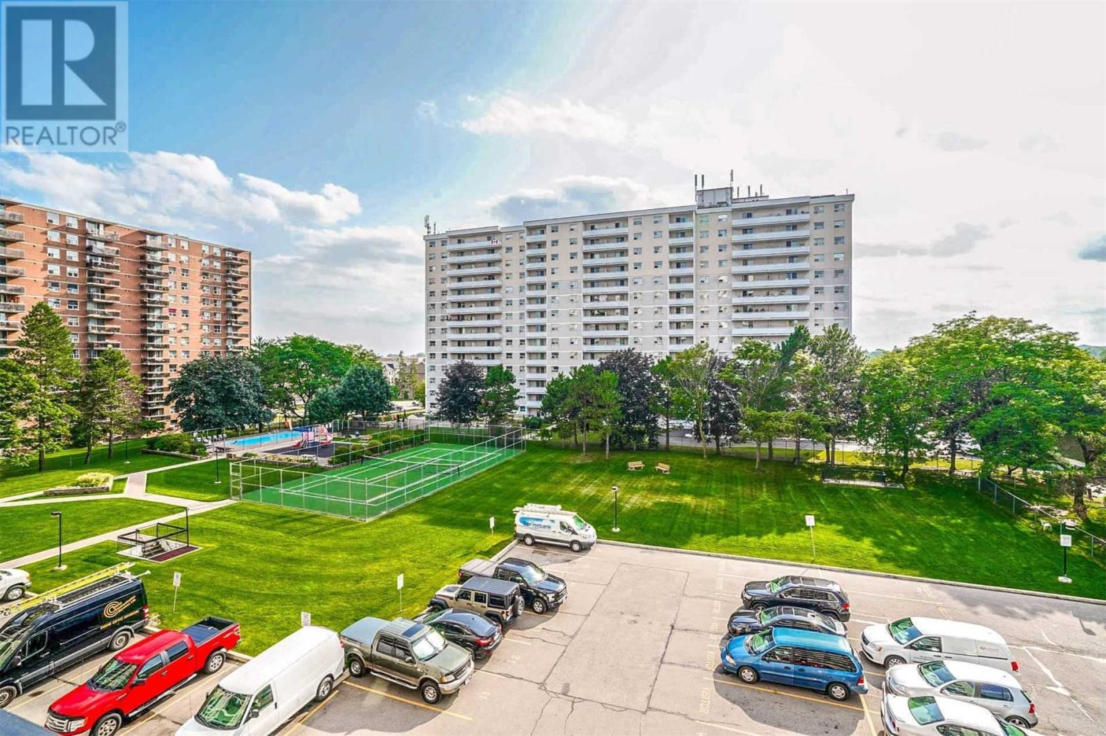 #810 -1100 Caven St, Mississauga, Ontario  L5G 4N3 - Photo 2 - W4667458