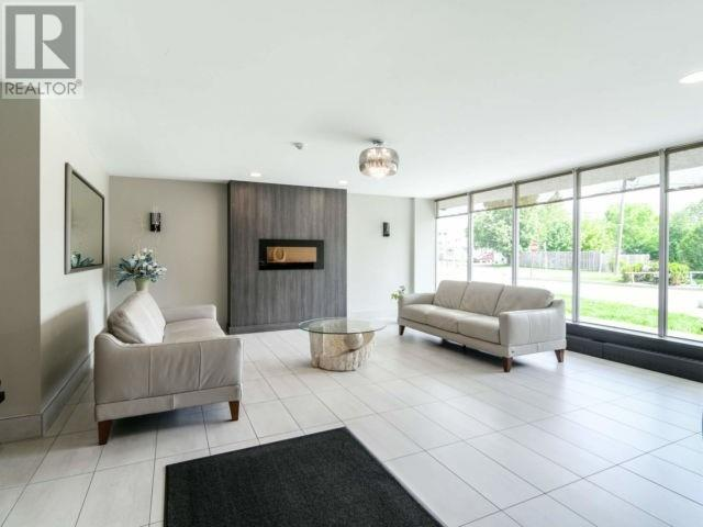 #810 -1100 Caven St, Mississauga, Ontario  L5G 4N3 - Photo 4 - W4667458