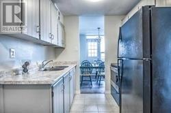 #602 -3120 Kirwin Ave, Mississauga, Ontario  L5A 3R2 - Photo 4 - W4669515