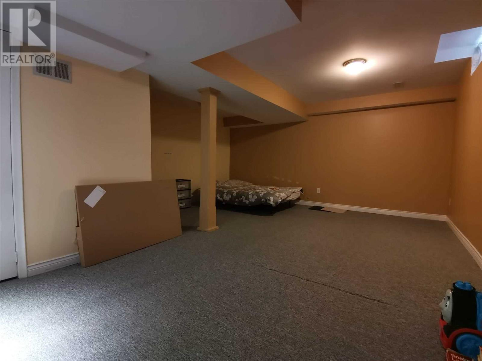 3879 Densbury Dr, Mississauga, Ontario  L5N 6Y9 - Photo 18 - W4669746