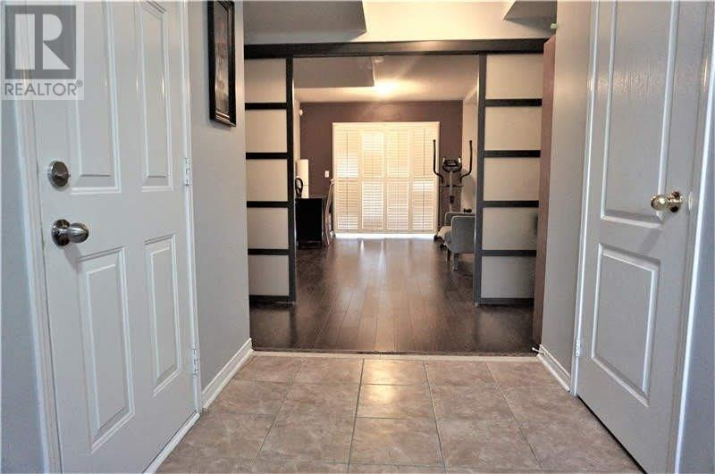 3371 Southwick St, Mississauga, Ontario  L5M 7M1 - Photo 2 - W4670102