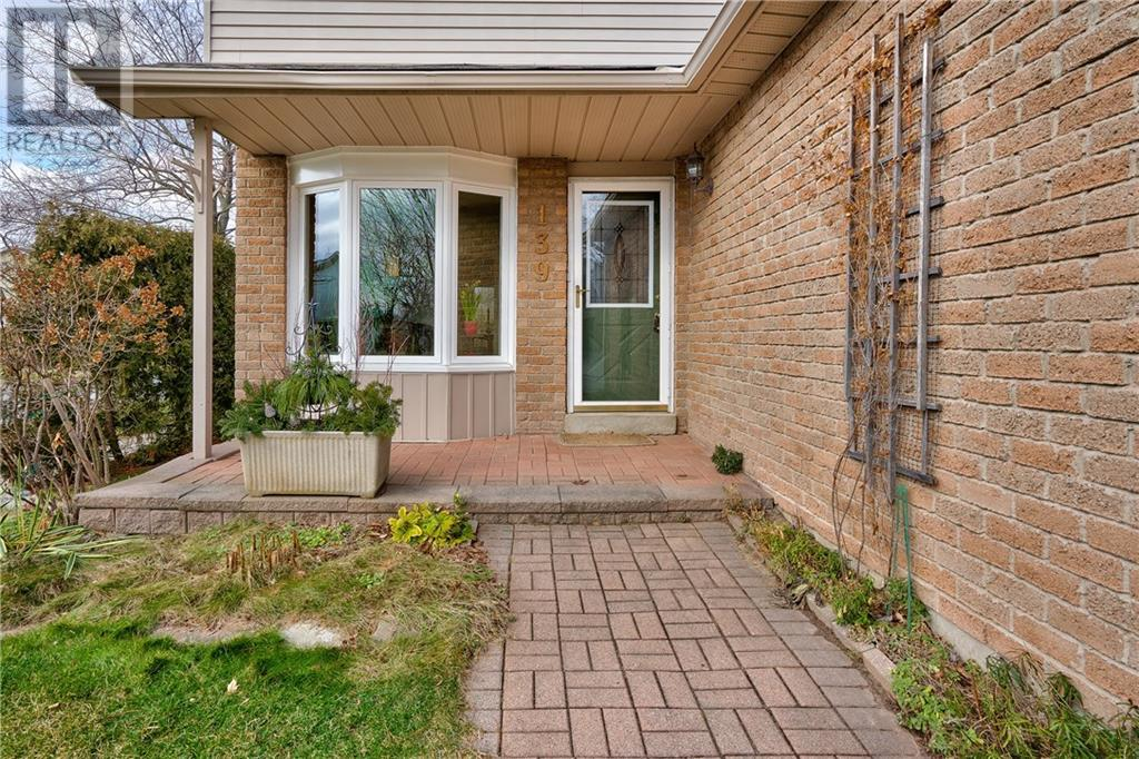 139 Willard Street, Oakville, Ontario  L6L 5R4 - Photo 3 - 30785688