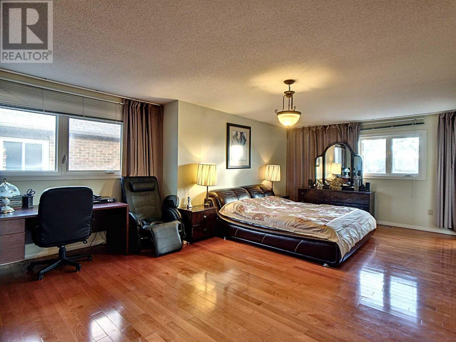 447 Ojibway Tr, Mississauga, Ontario  L4Z 3B5 - Photo 9 - W4670668