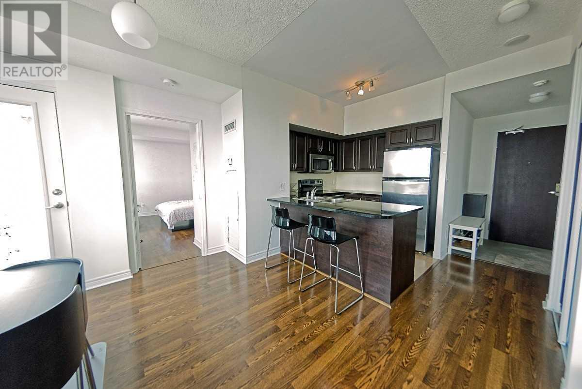 #3606 -208 Enfield Pl, Mississauga, Ontario  L5B 0G8 - Photo 2 - W4671187