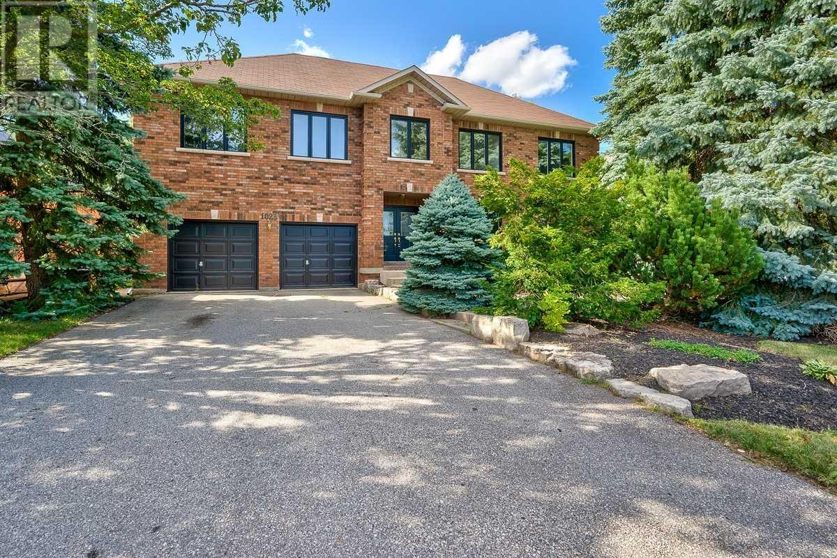 1023 Masters Green, Oakville, Ontario  L6M 2N7 - Photo 1 - W4671852