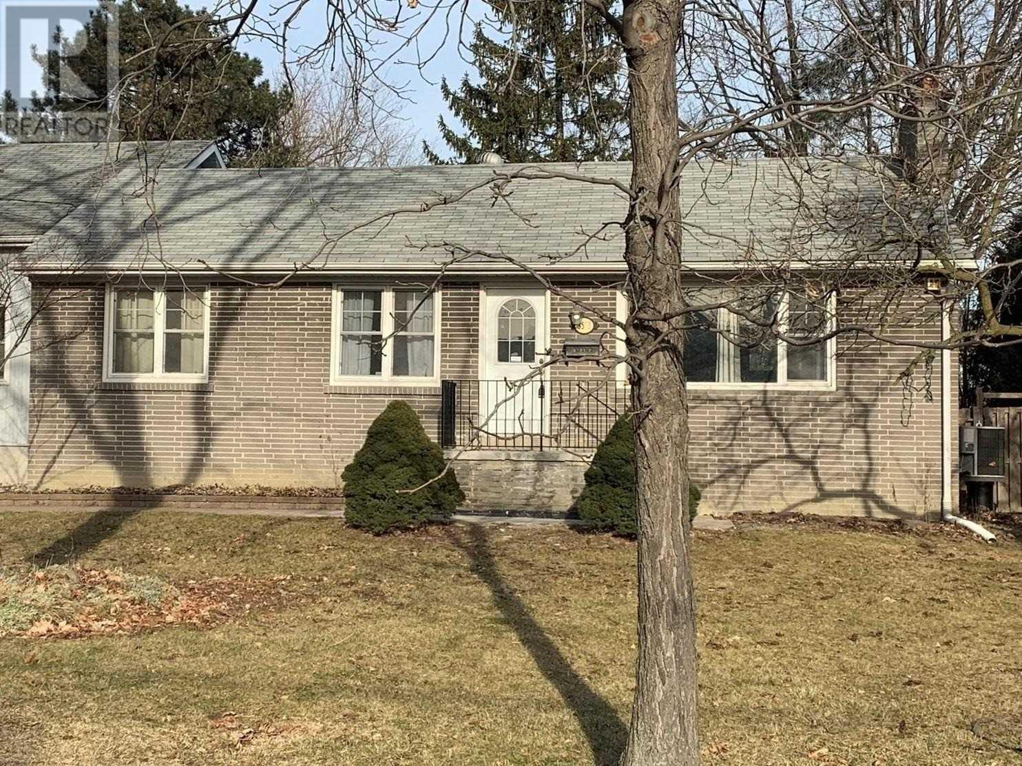 3573-A Palgrave Rd, Mississauga, Ontario  L5B 1W1 - Photo 1 - W4672780