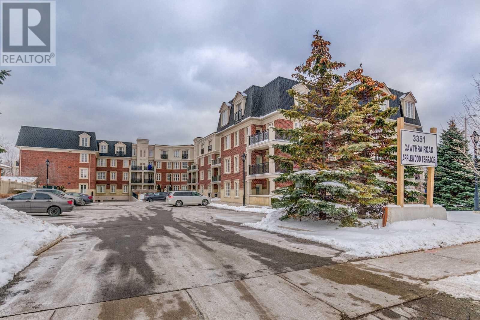 #119 -3351 Cawthra Rd, Mississauga, Ontario  L5A 4N5 - Photo 1 - W4673329