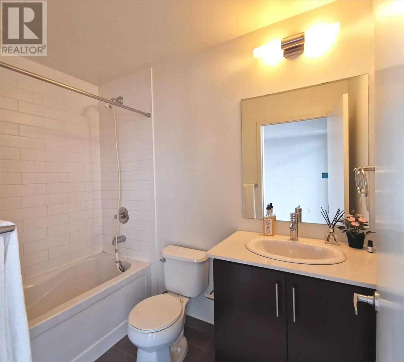 #1211 -365 Prince Of Wales Dr, Mississauga, Ontario  L5B 0G6 - Photo 13 - W4673355